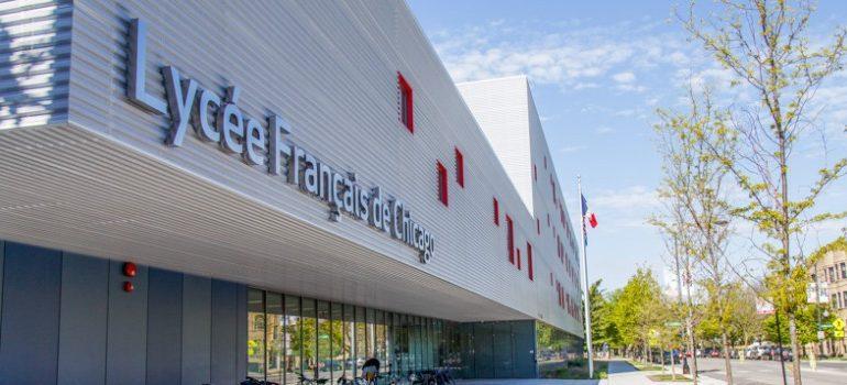 Lycées français de l'étranger : le salut via des fondations privées ?
