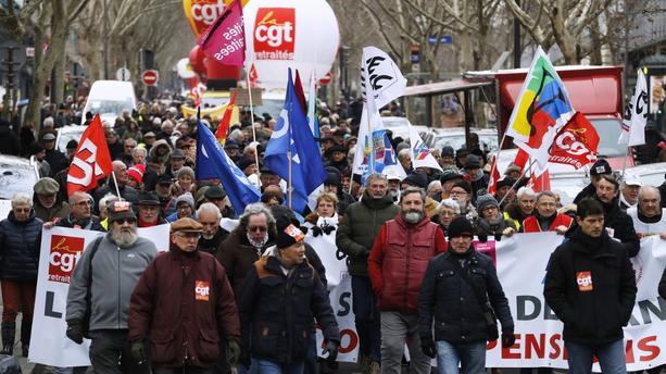 En France, manifestation des retraités pour sauvegarder leur pouvoir d'achat