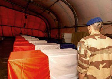 Hommage national aux 13 militaires tués au Mali