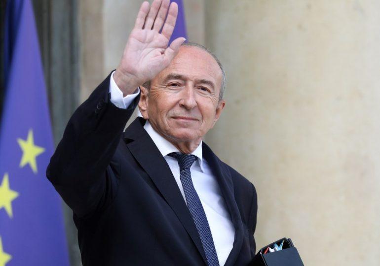 """""""Heureusement que les élus locaux ont été là"""" pour se procurer des tests, insiste Gérard Collomb, ancien ministre de l'Intérieur de Macron, pour qui """"le gouvernement a été pris au dépourvu. Il y a eu des allers-retours qui après coup ont fait très mal""""."""