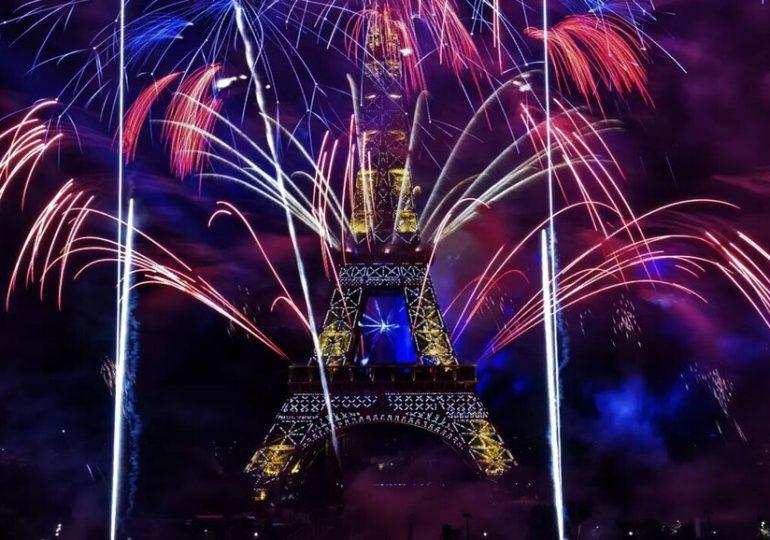 Le Feux d'artifice du 14 juillet 2020 à  Paris - Podcast Video