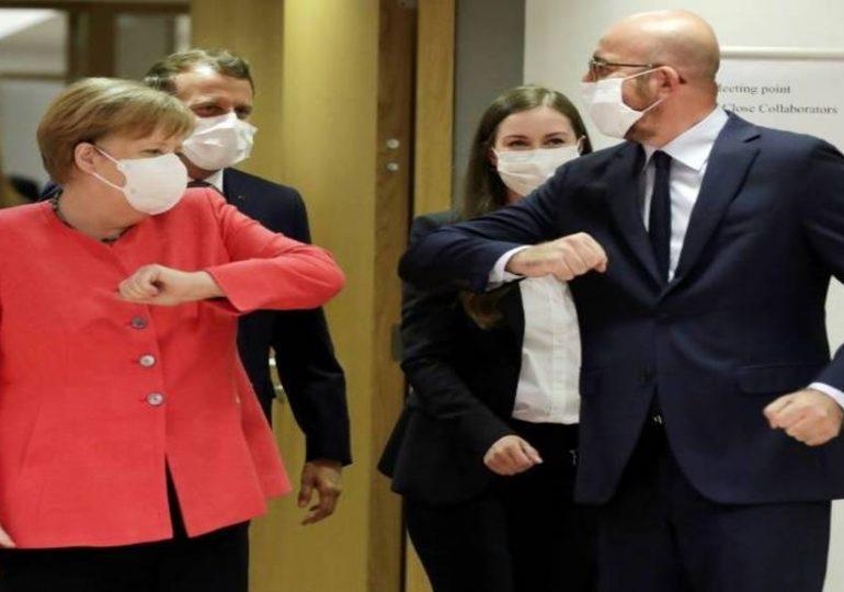 Sommet européen : Macron «confiant», Merkel s'attend à de «difficiles négociations»