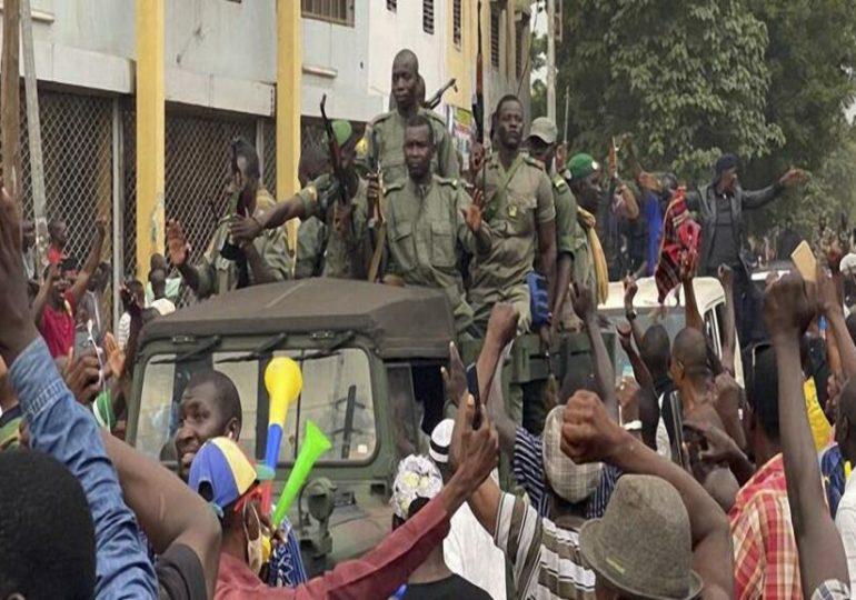 Coup d'État au Mali : extraits de l'allocution des militaires - Podcast vidéo