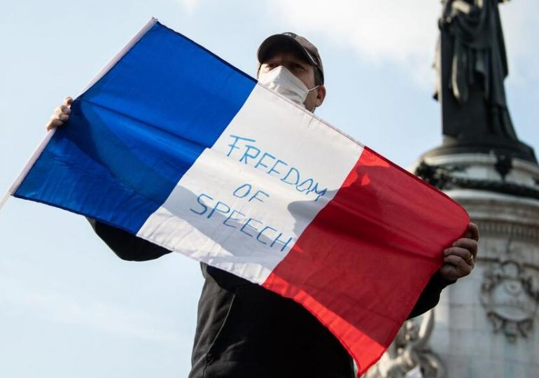 La France trop humaniste?