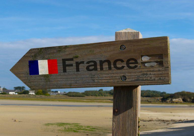 """Jean-Baptiste Lemoyne : """"le droit fondamental des Français de l'étranger à rentrer en France"""""""