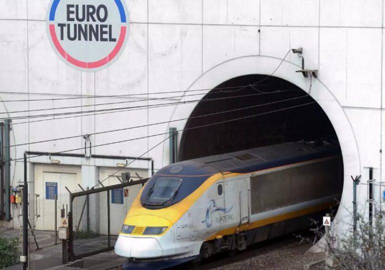 De part et d'autre de la Manche, pas de lumière au bout du tunnel