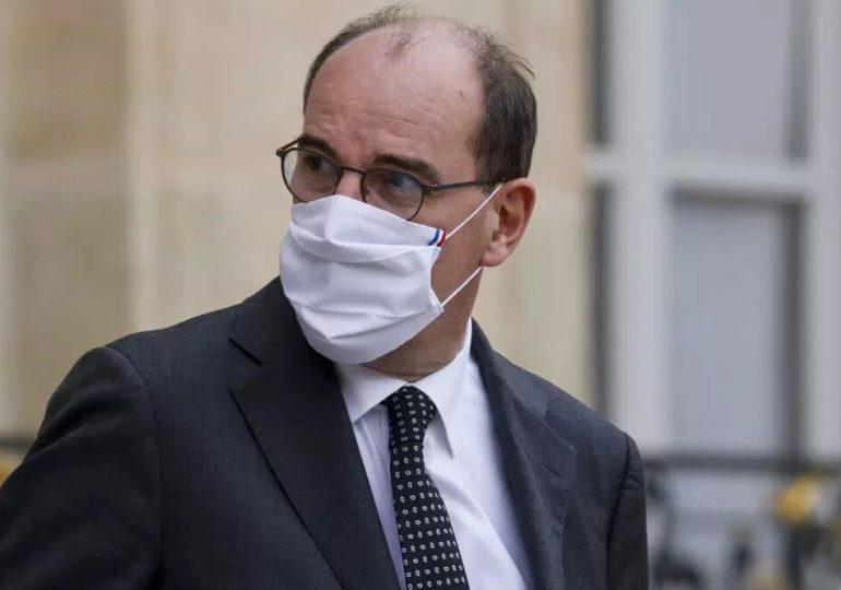 Castex douche les espoirs d'un déconfinement en France