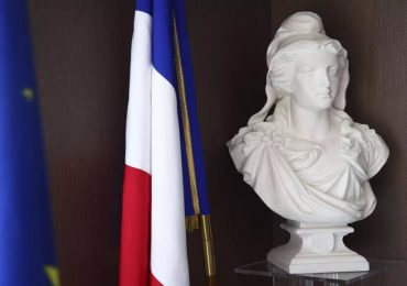 """Frederic Petit : """"l'objectif avec cette loi, c'est d'interdire l'Islam politique"""""""