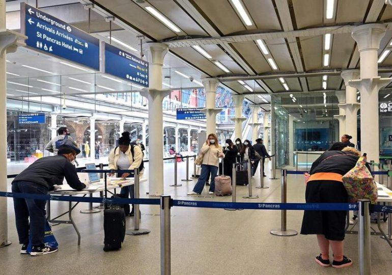 Souvenez-vous de Douvres ! Comment voyager depuis ou vers le Royaume-uni !