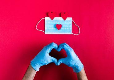 Saint Valentin et Covid-19 : comment va-t-on célébrer l'amour cette année ?