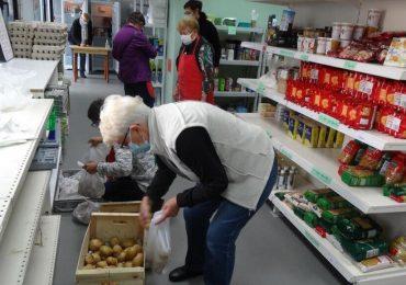 France : des fruits et légumes invendus récupérés pour les épiceries solidaires