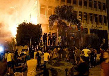 Liban : colère face à la chute de la monnaie