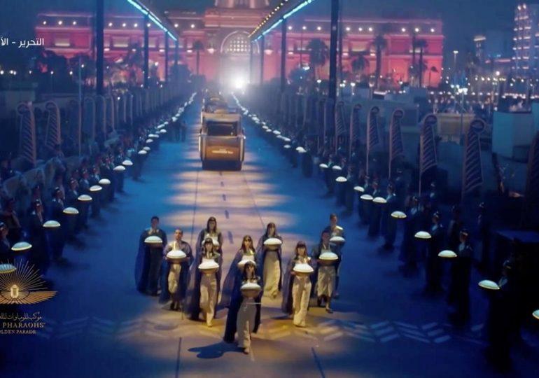 Egypte: spectacle pharaonique et défilé de momies royales