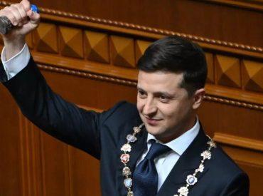 Alors que les troupes russes se rassemblent à sa frontière, l'Ukraine demande à rejoindre l'OTAN